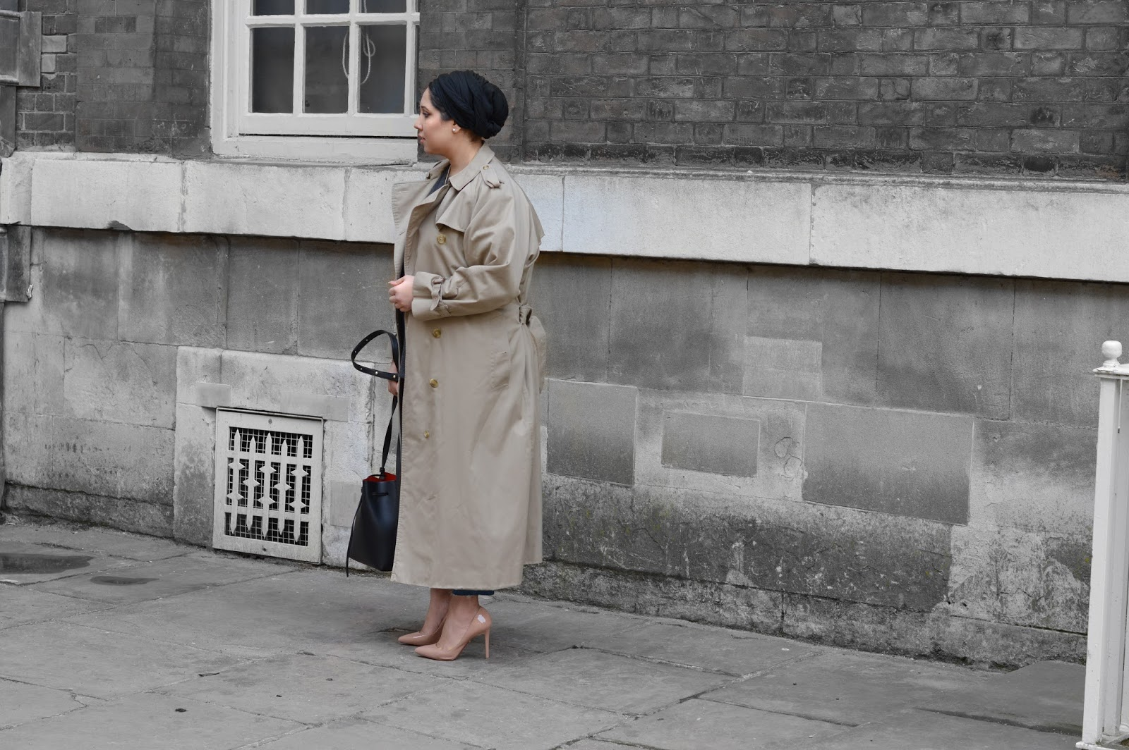 L o n g | Burberry trenches and heels.