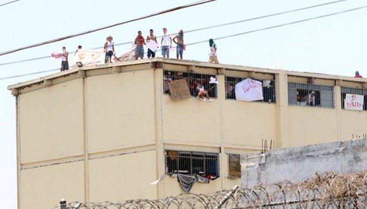 Reportan disturbios en Penal del Topo Chico