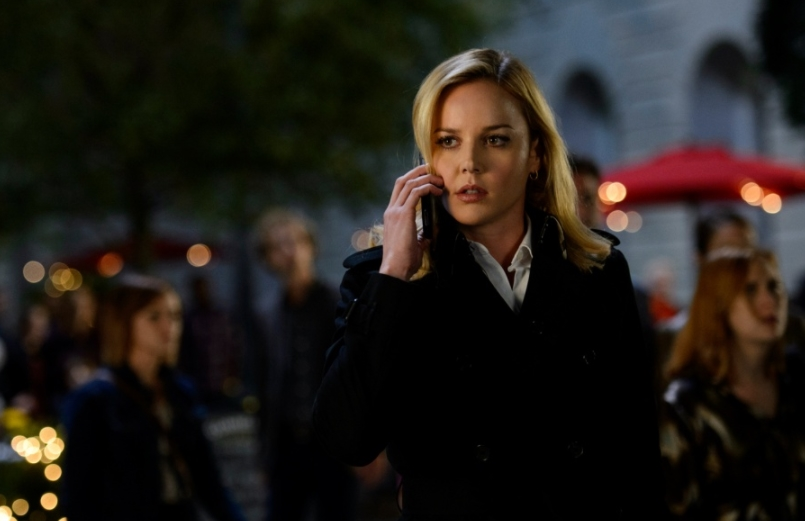 Abbie Cornish as Secret Service Agent in Geostorm Movie (2017)