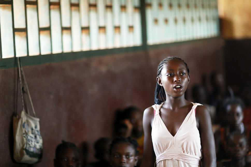 30 Beautiful Pictures Of Girls Going To School Around The World - Central African Republic