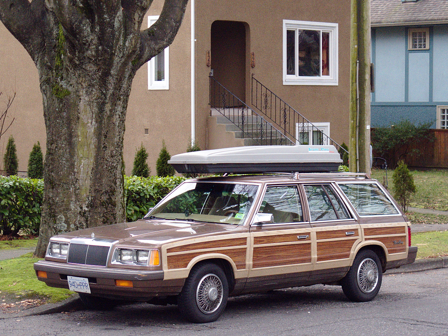 Old Parked Cars Vancouver: 1987 Chrysler LeBaron Town & Country Wagon
