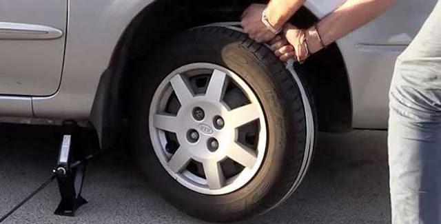Cara mengatasi mobil mogok di jalan