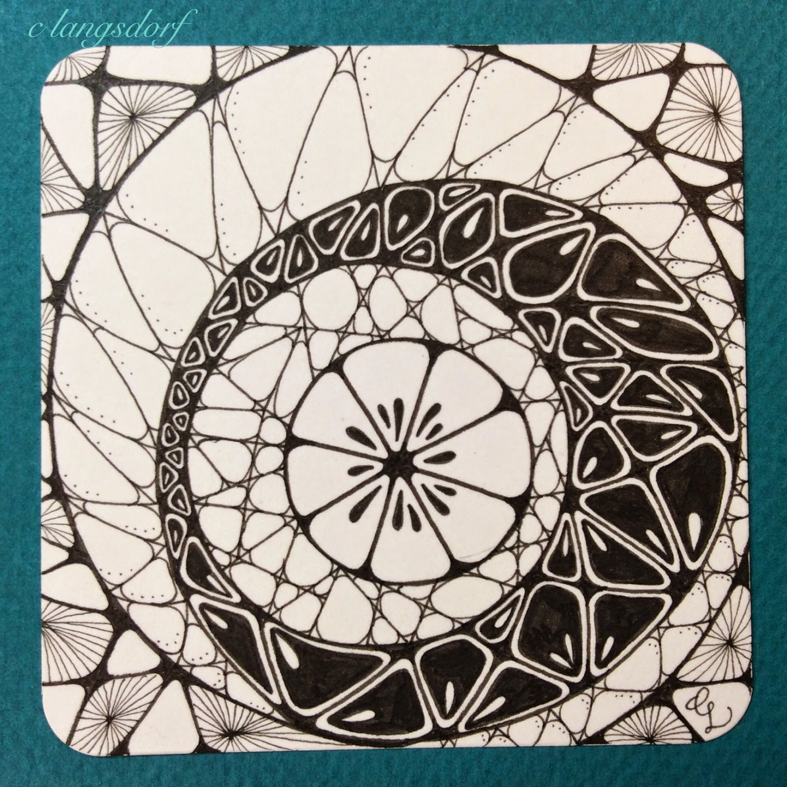 Alphabee Tangles: Zentangle tiles