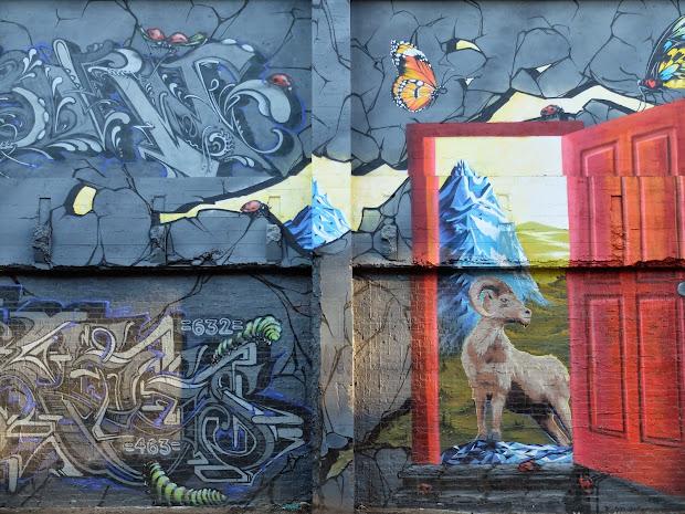 Travelmarx Breaking Walls - Mural