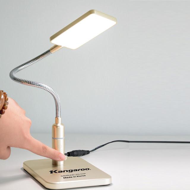 Đèn LED để bàn.