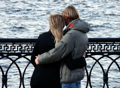 Couple hugging on sea shore,kissing couple images,sweet loving couple images,Romantic cute sweet couple images Nice love images, Love couple images, Real love images, Love cute images, Romantic images,  Hug Images, Lovely romantic images, 4truelovers images,Love cute images