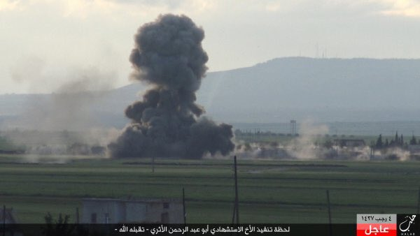 Guerra civil en Siria - Página 3 Islamic%2BState%2BReleases%2BPics.%2BShows%2BSuicide%2BAttack%2BOn%2BFSA%2BIn%2B%2523Northern%2BAleppo%2527s%2BCountryside%2B3