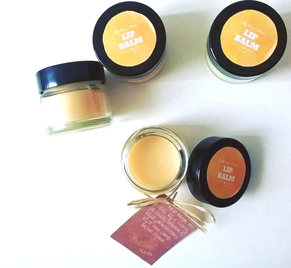 Jak zrobić domowy balsam do ust z wosku pszczelego