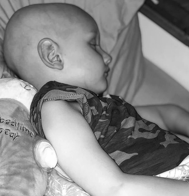 """Mummy, I'm sorry for this"" - Heartbreaking final words of 5-year-old boy as he dies of cancer in his mother's arm"