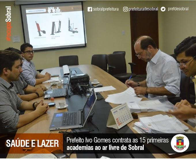 Prefeito Ivo Gomes contrata 15 primeiras academias ao ar livre de Sobral