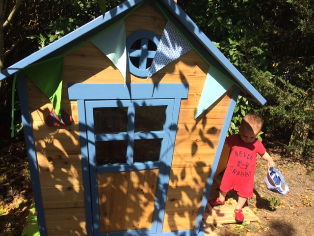 Review Redwood Lodge Toddler Garden Playhouse Run Out Of Womb