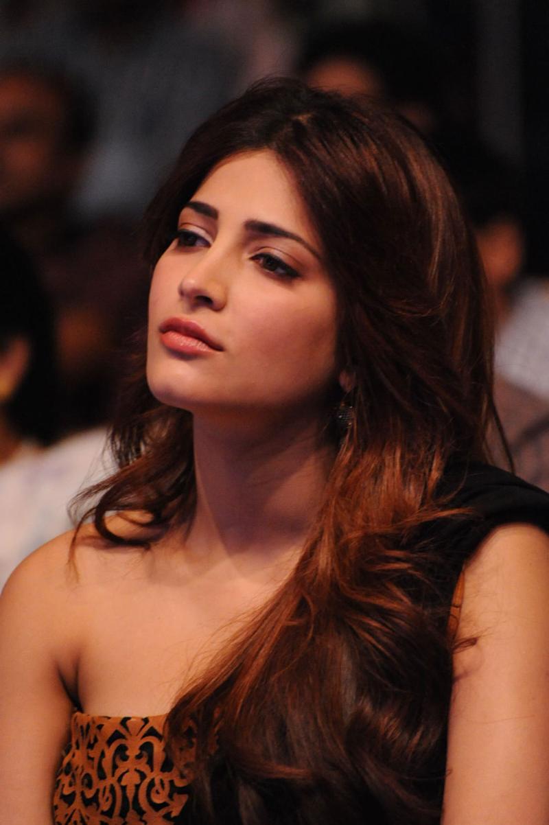 Shruti Hassan beautiful photos