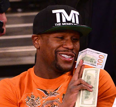Mayweather Causes Stir As He Throws $50,000 To Pros-titutes