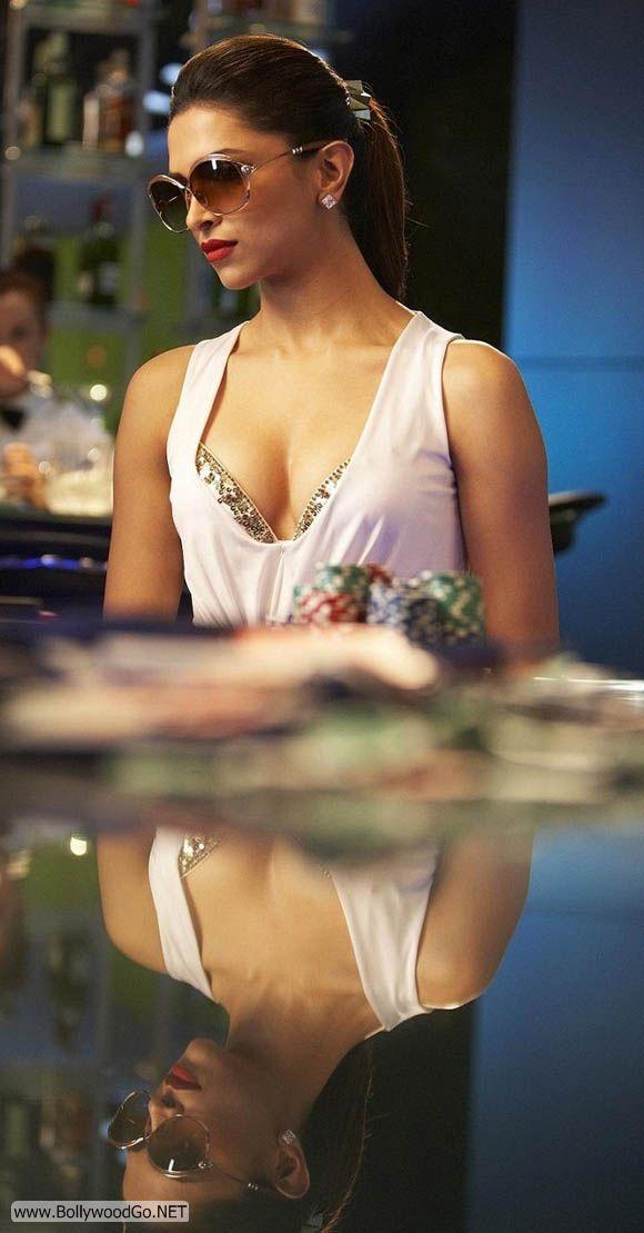 padukone race Deepika hot
