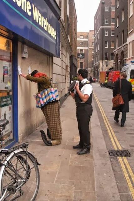 Divertidas imágenes del trabajo de la policía de todo el mundo