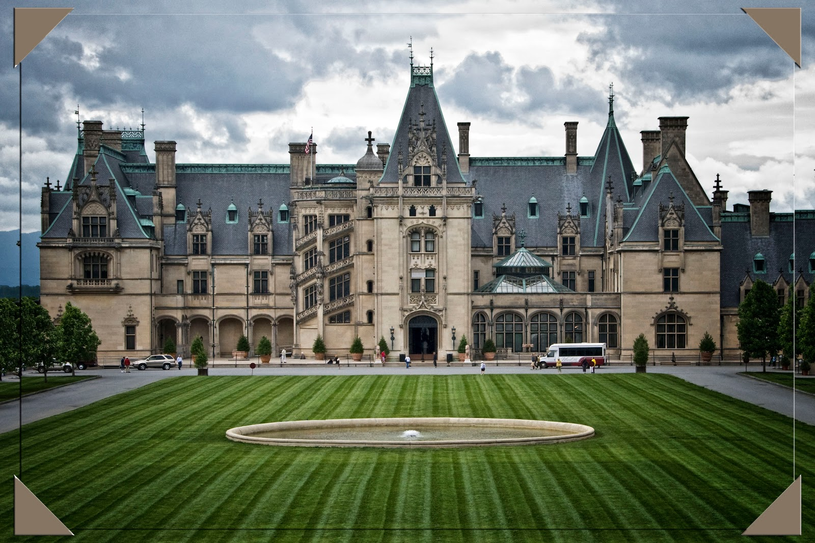 Our Travel Blog: Biltmore - Asheville, NC - May 16, 2011