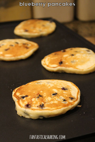 Blueberry Pancakes #breakfast #blueberry #pancakes #recipe