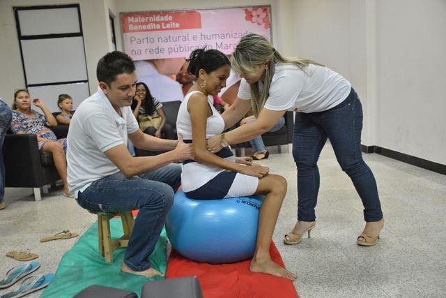 Gestantes e familiares recebem orientações sobre a gravidez, parto e pós-parto na Maternidade Benedito Leite