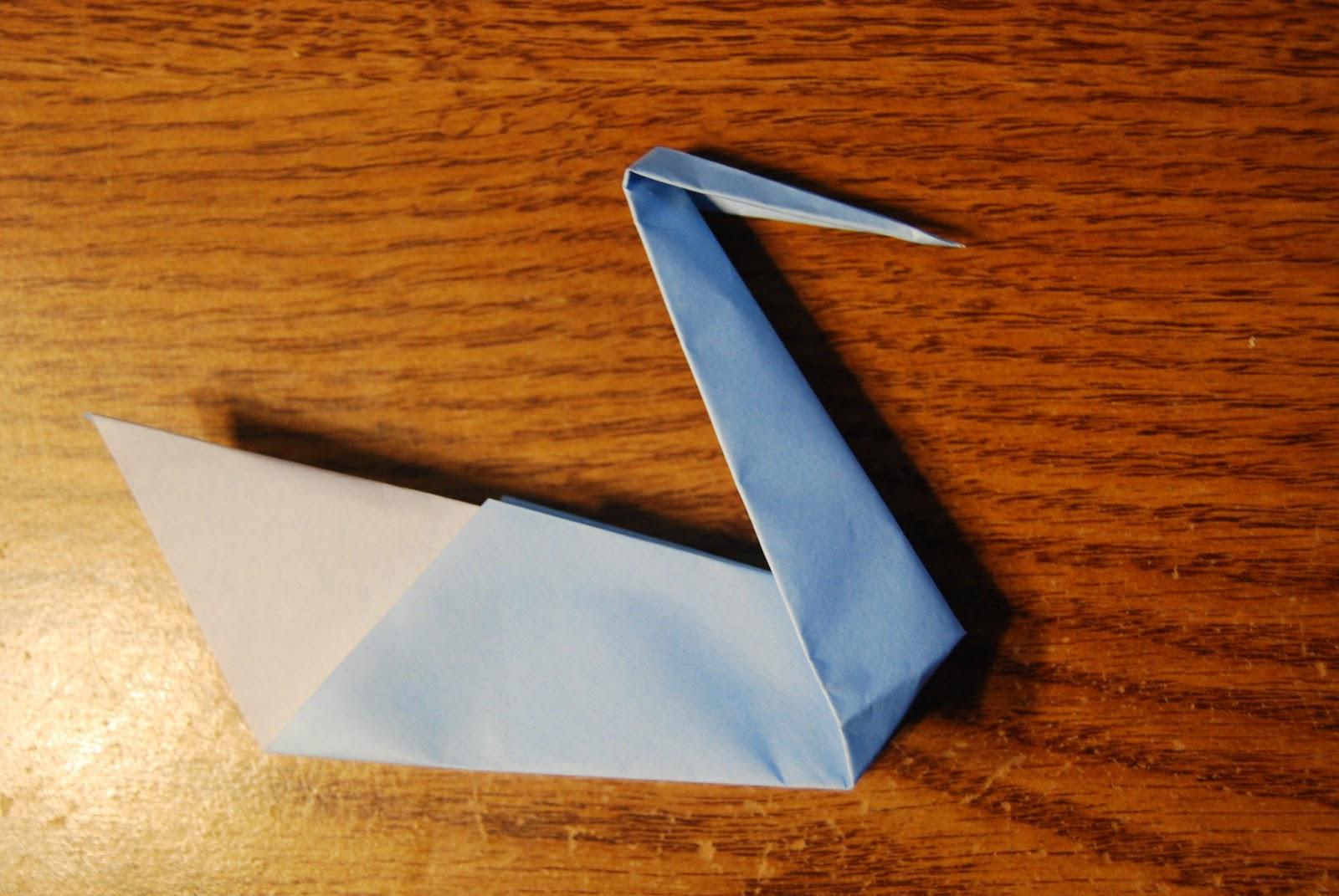 Swan origami by Roman Diaz - OrigamiArt.Us   1071x1600
