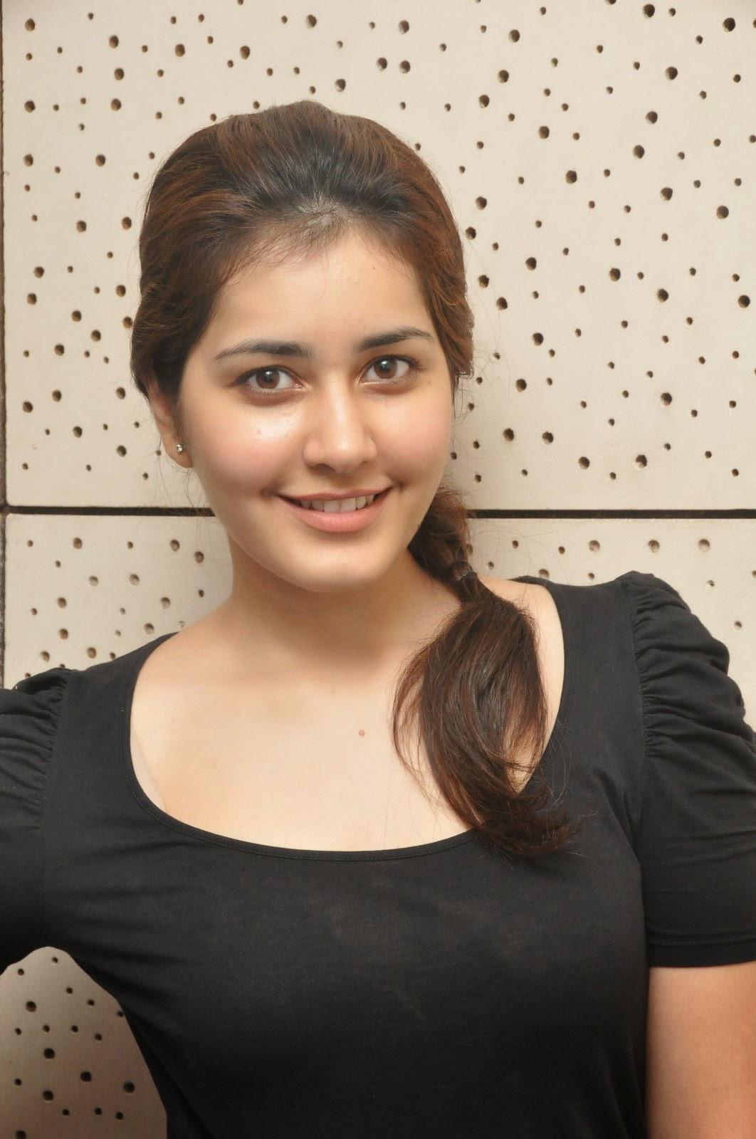 Actress Rashi Khanna Hot Stills  Hot And Cute Gallery-1113