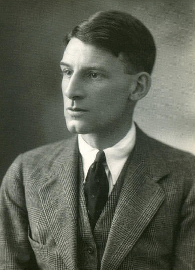 glory of women siegfried sassoon In glory of women, siegfried sassoon uses satirical, plentiful structure in order to give a description of his view of the function of british women,.