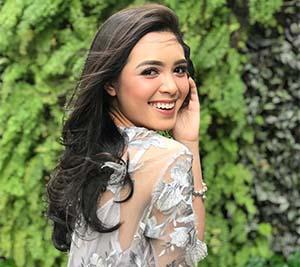 Claudia Andhara Cantik