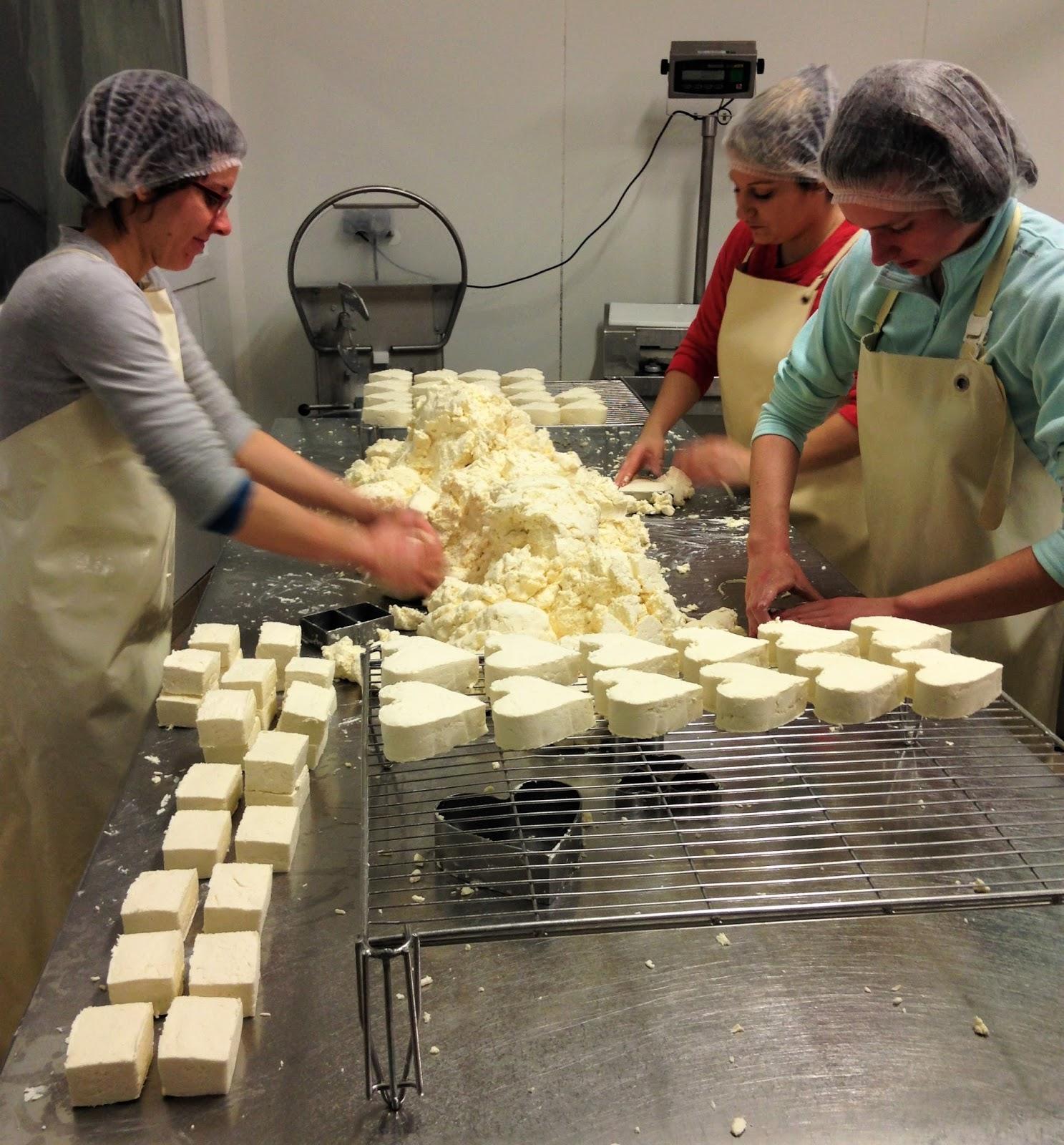 La laiterie de paris des petits fromages en forme de for Affinage fromage maison