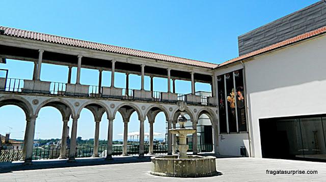 Pátio externo do Museu Nacional Machado de Castro, em Coimbra