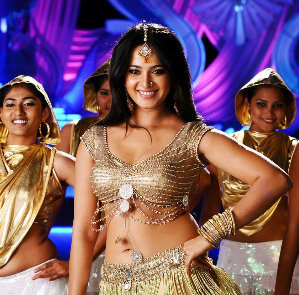 Anushka hot in damarukam movie
