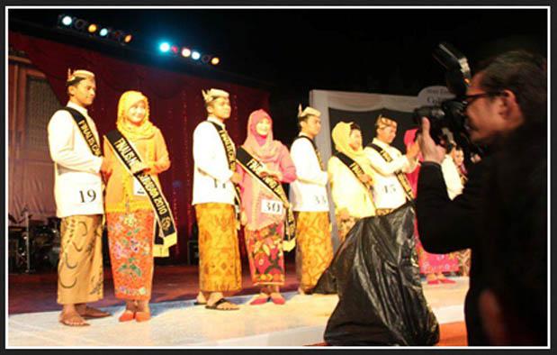 Baju Adat Jawa Timur Surabaya Cak dan Ning
