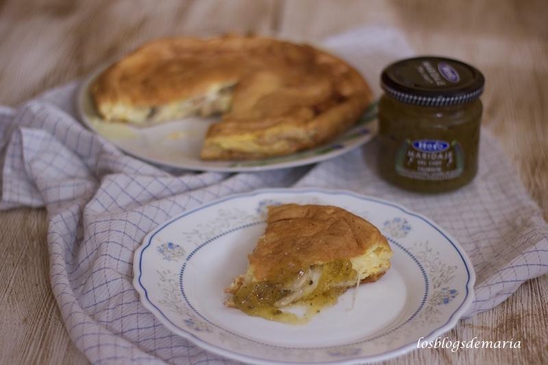 Tortilla esponjosa rellena con maridaje de calabacín