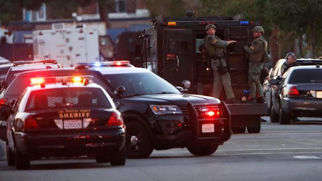 Polisi berjaga usai penembakan di dekat TPS California