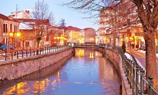H κουκλίστικη πόλη της Βόρειας Ελλάδας που κοντράρει άνετα την Ελβετία