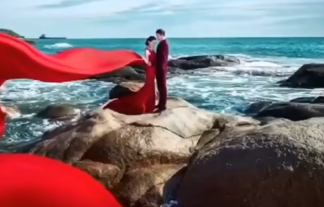 memutuskan menikah karena cinta