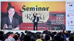 Motivator-Indonesia-Motivator-Terbaik-IPPHO-SANTOSA-Motivasi-Indonesia-Terkenal-di-Perusahaan
