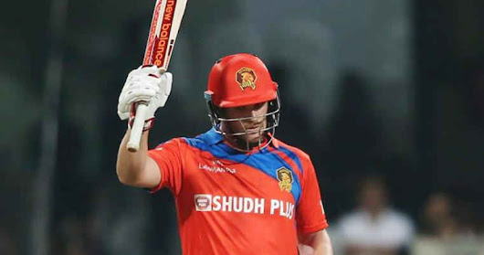 Finch scored 72 in 34 balls Against RCB - Mixture Info.