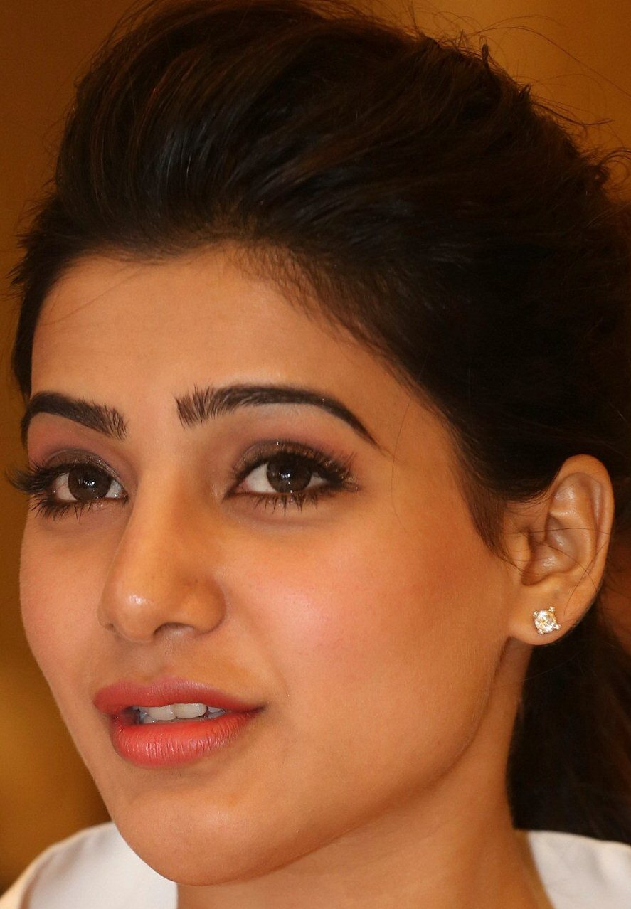 Model Samantha Face Close Up Photos Gallery