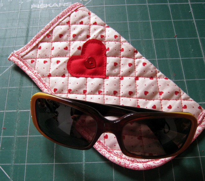RosMadeMe: Making a Spectacle - Glasses Case Tutorial