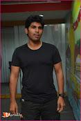 Allu Sirish at Red FM-thumbnail-9