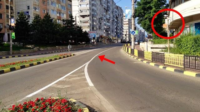 Indicator anulat și linie continuă între benzile de acces spre George Enescu, la intersecția cu Calea Obcinilor