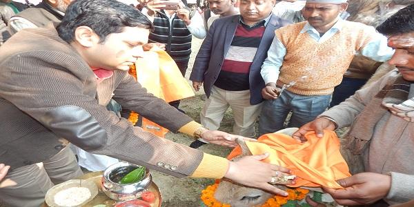 Panchyato-ke-aavantan-ka-adhikaar-jiladhikaari-me-nihit-hoga-pulkitkhare