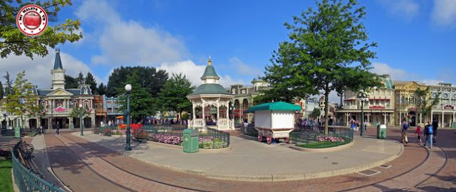 Disneyland Paris - Town Square