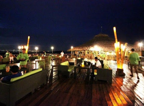 Lantaw Floating Restaurant - Taste the Difference in Cebu