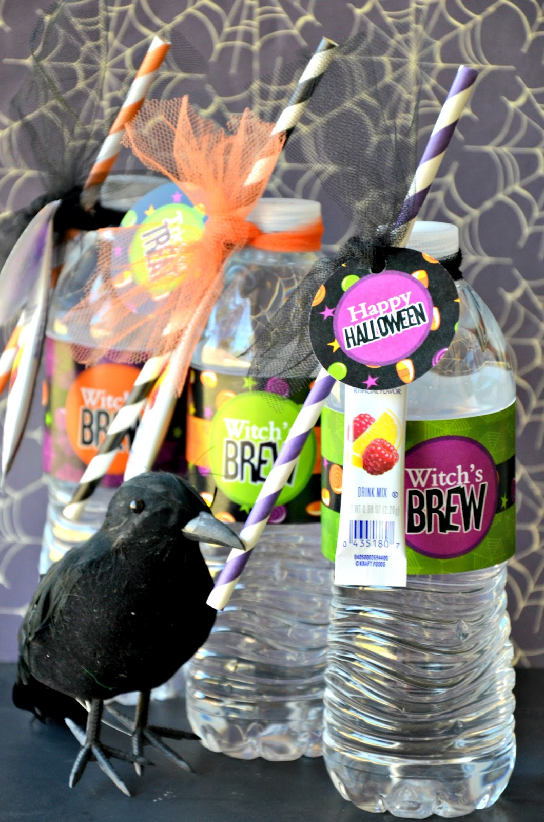 Super Easy DIY Halloween Witch's Brew - via BirdsParty.com