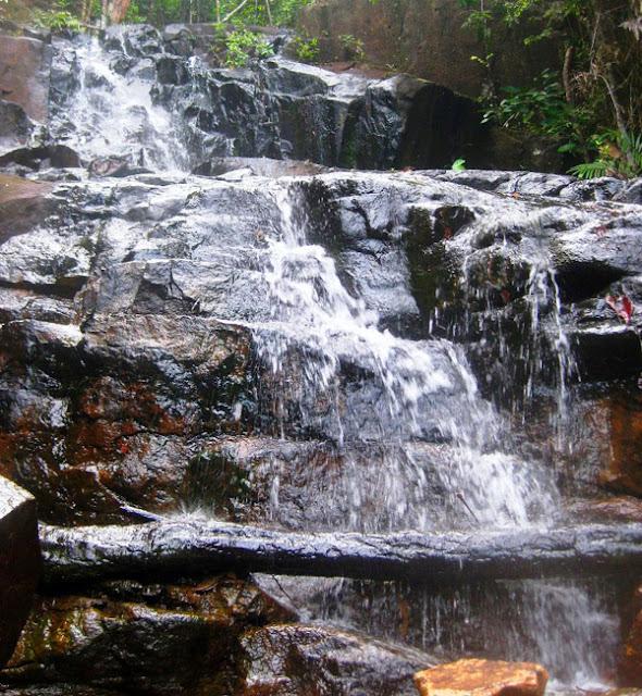 Gambar Air Terjun Gunung Lengkuas Di Kepulauan Riau