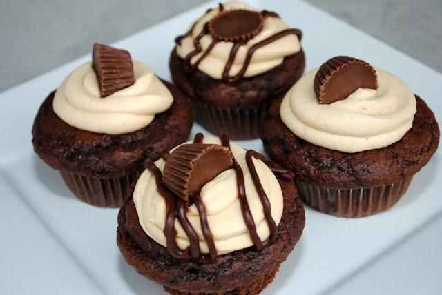 Reese's Filled Cupcake