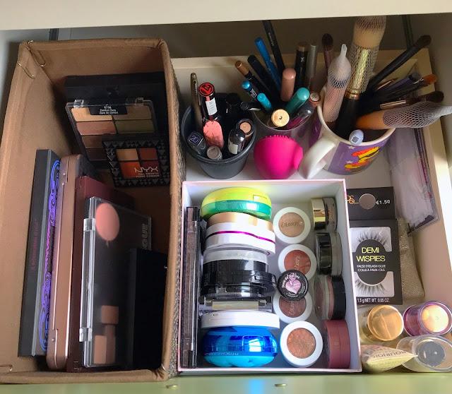 Cajón de maquillaje