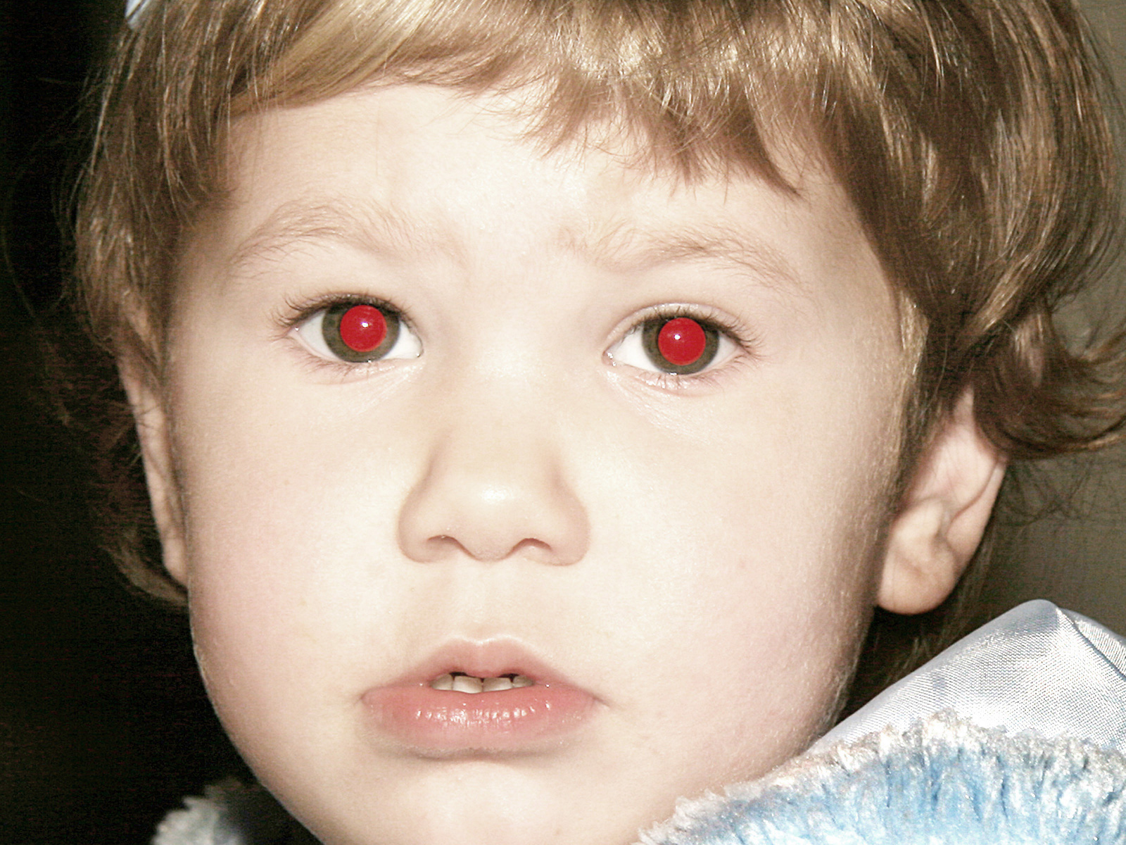 красные глаза у человека фото одно неоспоримое достоинство