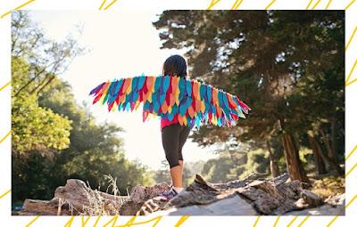 DIY งานประดิษฐ์ปีกนกสายรุ้งแฟนซีทำจากเศษผ้า