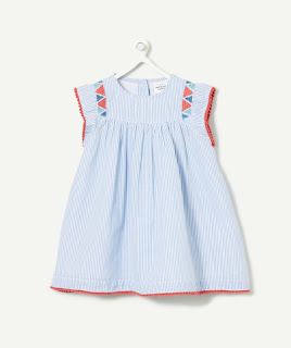 http://www.t-a-o.com/collection-naissance/naissance-fille/brassieres-tee-shirts/la-robe-rayee-et-son-bloomer-bijou-blue-78770.html